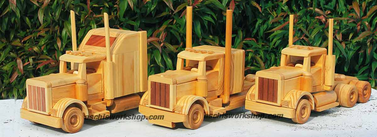 3 Hooded / Bonneted Road Tractors