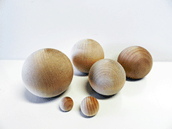 full round wooden balls in many sizes | Bear Woods Canada