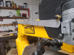 scroll saw arm lifter for dewalt